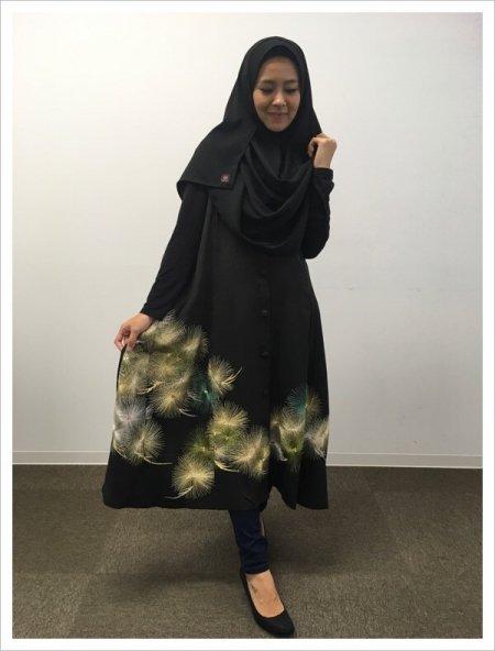 【NEW】日本の最高級の美!!着物ムスリムファッション‼長寿のシンボル松の文様が施された黒留袖ロングカーディガン。本物の着物から再生された黒留袖ロングカーディガンはお土産に最適です。