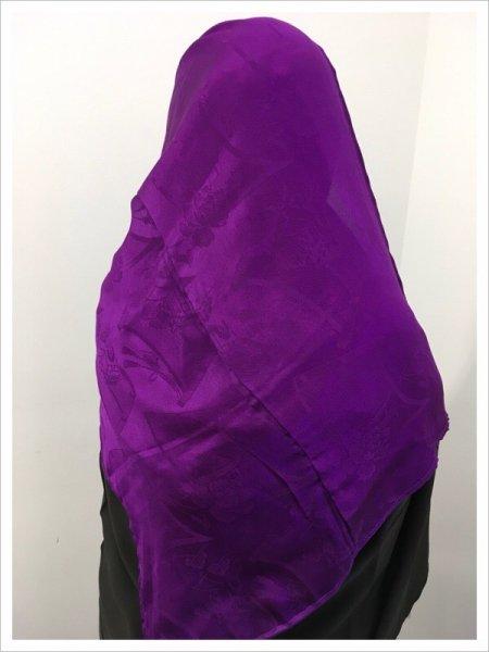 【世界に一枚しかない限定品】イスラム教徒へのお土産に悩まれている方へ。軽くて持ち運びも簡単。本物の着物を再生した着物ヒジャブはお土産に最適です。