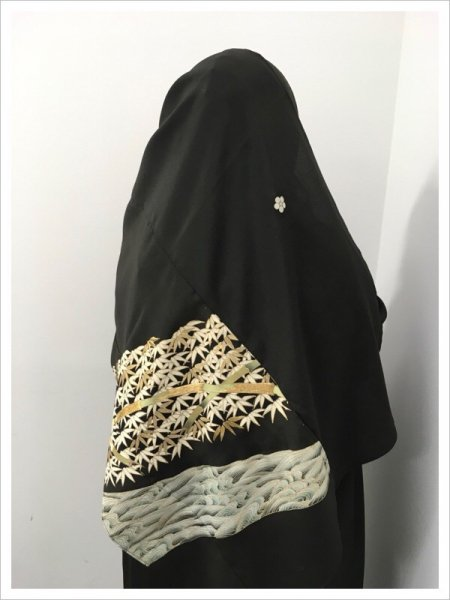 【世界に一枚しかない限定品】イスラム教徒へのお土産に悩まれている方へ。軽くて持ち運びも簡単。本物の着物から再生され、強さと風情のある竹の文様が施された着物ヒジャブはお土産に最適です。
