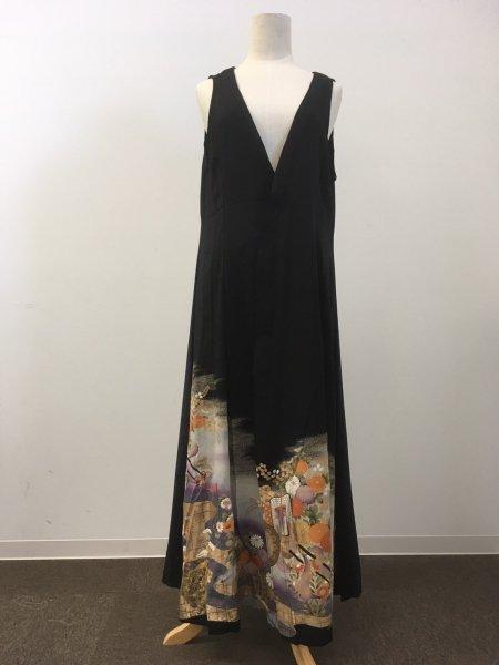 【NEW】日本の最高級の美!!着物ムスリムファッション。雅な御所車の文様が施された黒留袖ロングカーディガン。本物の着物から再生された黒留袖ロングカーディガンはお土産に最適です。