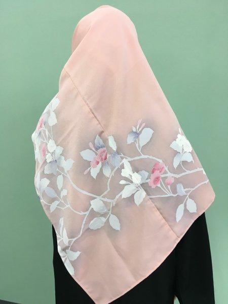 【世界に一枚しかない限定品】イスラム教徒へのお土産に悩まれている方へ。本物の着物から再生された着物ヒジャブはお土産に最適です。