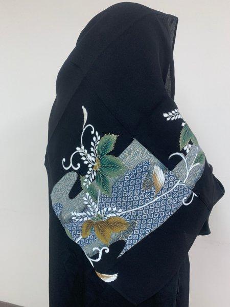 【新作】【世界に一枚しかない限定品】イスラム教徒へのお土産に悩まれている方へ。高貴な象徴の桐の文様が施された着物ヒジャブ。本物の着物から再生された着物ヒジャブはお土産に最適です。