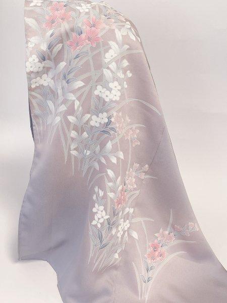 【世界に一枚しかない限定品】イスラム教徒へのお土産に悩まれている方へ。インドネシア、マレーシア女性に人気カラー着物ヒジャブ。本物の着物から再生された着物ヒジャブはお土産に最適です。