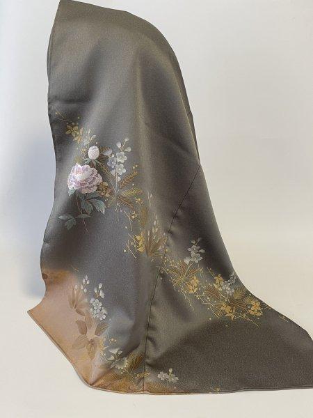 【スタッフ特選商品】イスラム教徒へのお土産に悩まれている方へ。落ち着きのある高貴な色合いと花柄が美しい気品溢れた着物ヒジャブ。