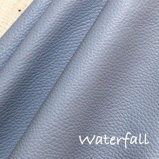 カルトナージュ用『シュリンク』         Leather 36×36�  Waterfall(グレーがかったブルー)