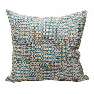 CUSHION COVER DAISY PLEATS 50×50� (Blue/offwhite)