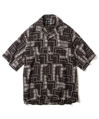 <img class='new_mark_img1' src='https://img.shop-pro.jp/img/new/icons7.gif' style='border:none;display:inline;margin:0px;padding:0px;width:auto;' />PAISLEY DROP SHOULDER SHIRT