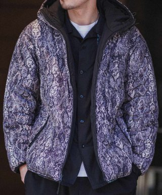 <img class='new_mark_img1' src='https://img.shop-pro.jp/img/new/icons53.gif' style='border:none;display:inline;margin:0px;padding:0px;width:auto;' />●【SPOT】PYTHON HOODED JACKET