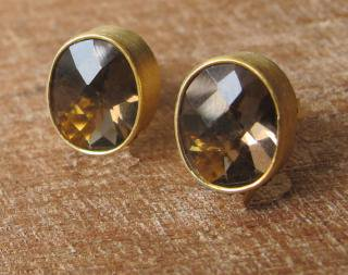 Belesas:<br>Brown Quartz Stud Earrings