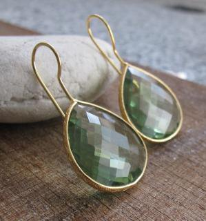 Belesas:<br>Green Quartz Earrings