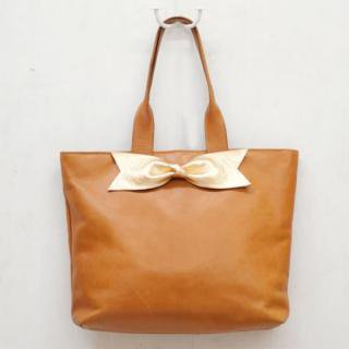 Sseko Designs:<br>Gold Bow in Caramel Accent Tote