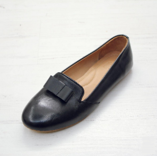 Sseko Designs:<br>Flat Bow Accent Leather Loafer<br>Black