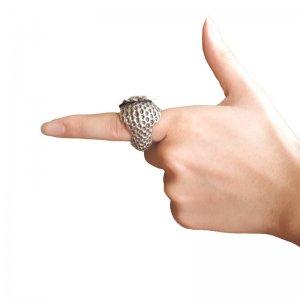 秘密の銀いちご 指輪 Strawberry silver ring