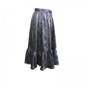 苺のミディアム丈スカート