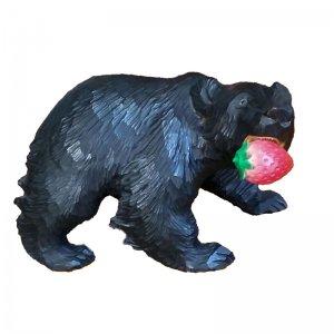 大好物は苺♪木彫り熊