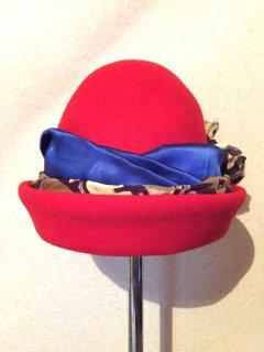 Ladys Bowler hat