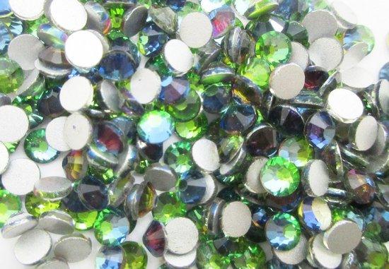 ガラス製 ラインストーン<BR>グリーンフレイム SS3〜SS30 サイズ選択可