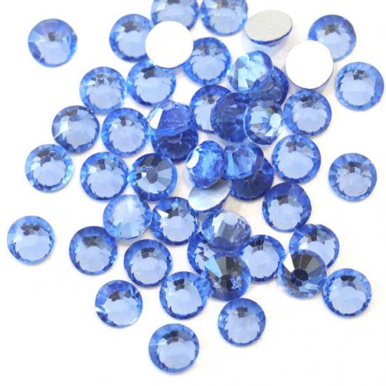 【納期4週間程度】卸専用ガラスラインストーン ライトサファイア<br>SS3〜SS30サイズ選択可 約14400粒