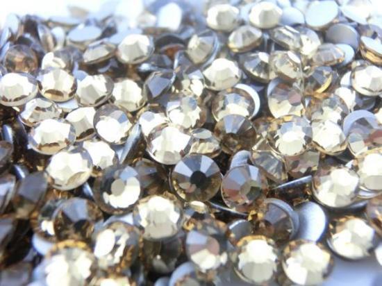 【納期4週間程度】卸専用ガラスラインストーン ライトコロラドトパーズ<br>SS3〜SS30サイズ選択可 約14400粒