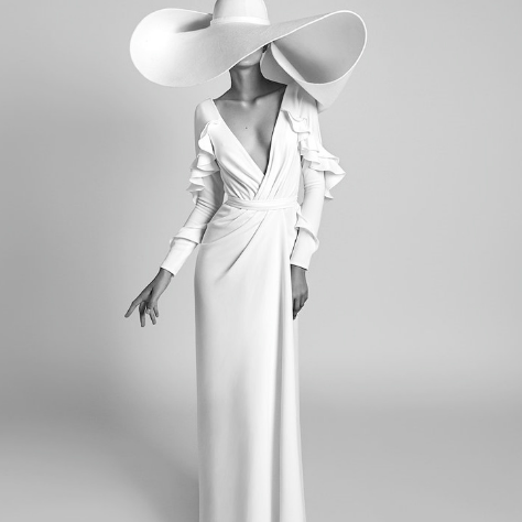 SO1015 セミオーダー ホワイトの長袖ロングドレス