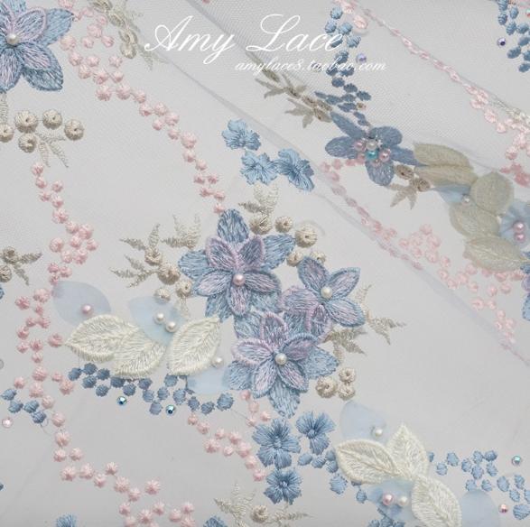LC1149 可愛らしい小花柄のメッシュレース生地(2色)  (50cm単位)