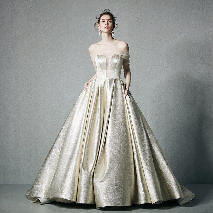 WD1037  セミオーダー ゴールドベージュのロングトレーンウェディングドレス