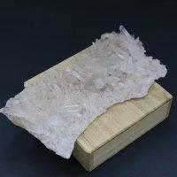 ガネーシュヒマール産水晶原石(小)