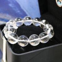 完全天然純粋な水晶 ヒマラヤ水晶18mm玉 腕サイズ18cm 箱プレゼント付き