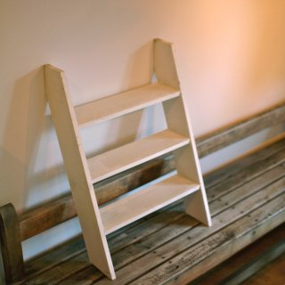 はしご形三段飾り棚