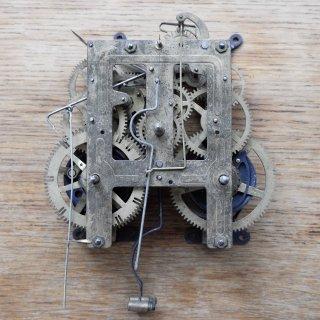 古い振り子時計のムーブメント