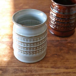 ハンドメイドの陶器製ツールスタンド(ホワイト)