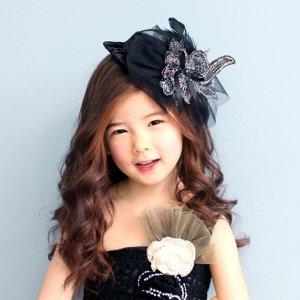 アデル羽毛飾りベルベットヘッドドレス