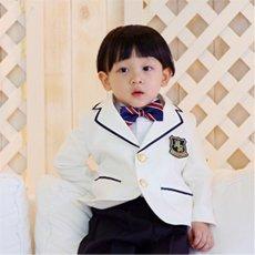フラワーボーイホワイトスーツ4点セット(スーツ上下+長袖ワイシャツ+紺色ストライプ蝶タイ)