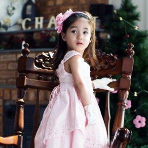 ピンクレースアップドレス