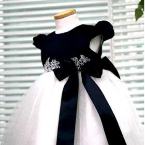 ネイビーホワイトパフスリーブドレス