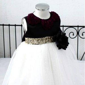 ブラックホワイトシフォンハートドレス
