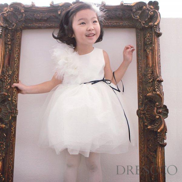 カリテスホワイトフラワーコサージュドレス