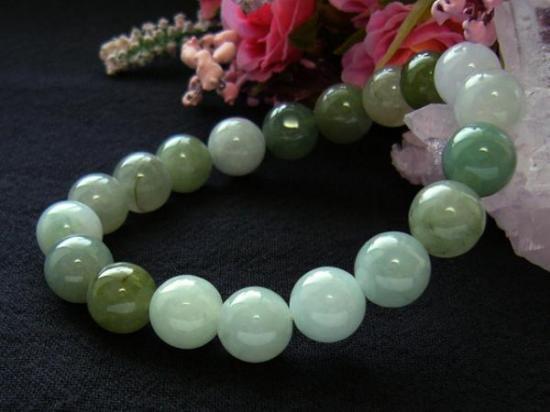 翡翠ブレスレット「台湾産天然石」10.5mm珠