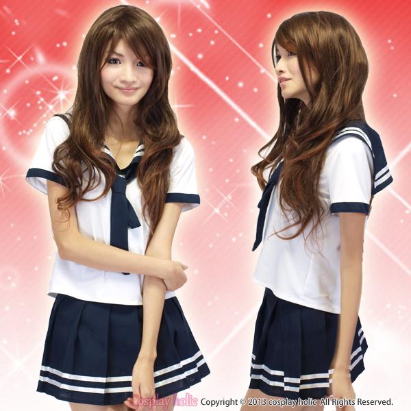 紺×白の半袖セーラー服コスプレ