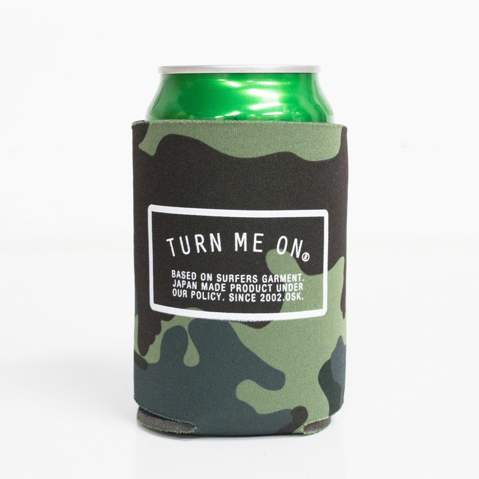 <img class='new_mark_img1' src='https://img.shop-pro.jp/img/new/icons14.gif' style='border:none;display:inline;margin:0px;padding:0px;width:auto;' />LOGO KOOZIE クージー (CAMO)