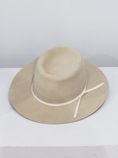 "<img class='new_mark_img1' src='//img.shop-pro.jp/img/new/icons22.gif' style='border:none;display:inline;margin:0px;padding:0px;width:auto;' />charrita  ""sombrero conejo bonansa"""