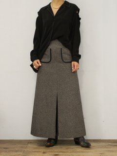 "FILL THE BILL "" front slit tweed skirt """
