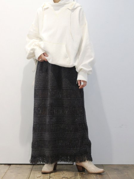"<img class='new_mark_img1' src='//img.shop-pro.jp/img/new/icons8.gif' style='border:none;display:inline;margin:0px;padding:0px;width:auto;' />FILL THE BILL "" border fringe knit skirt """
