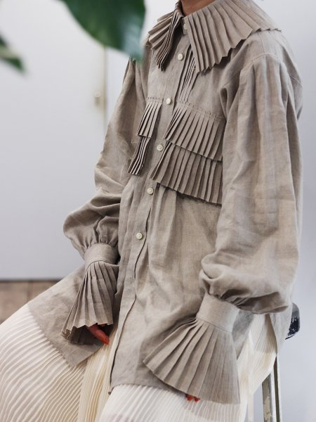 """<img class='new_mark_img1' src='https://img.shop-pro.jp/img/new/icons56.gif' style='border:none;display:inline;margin:0px;padding:0px;width:auto;' />JUN MIKAMI """" linen frill shirt """""""