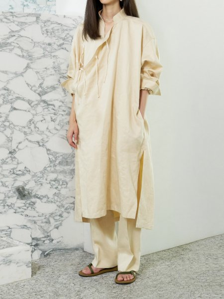 "<img class='new_mark_img1' src='https://img.shop-pro.jp/img/new/icons8.gif' style='border:none;display:inline;margin:0px;padding:0px;width:auto;' />JUN MIKAMI "" linen China robe """