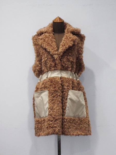 "<img class='new_mark_img1' src='//img.shop-pro.jp/img/new/icons8.gif' style='border:none;display:inline;margin:0px;padding:0px;width:auto;' />ALLEGE "" Fur Vest """