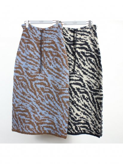 """<img class='new_mark_img1' src='https://img.shop-pro.jp/img/new/icons8.gif' style='border:none;display:inline;margin:0px;padding:0px;width:auto;' />FILL THE BILL """" Reversible Zebra Knit Skirt """""""
