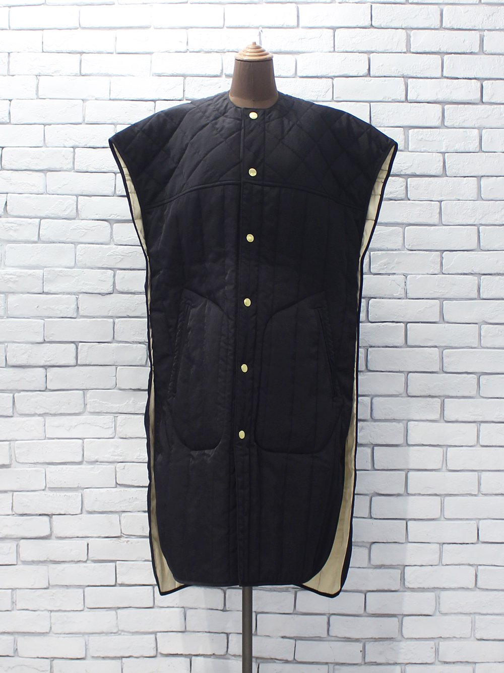 "<img class='new_mark_img1' src='https://img.shop-pro.jp/img/new/icons8.gif' style='border:none;display:inline;margin:0px;padding:0px;width:auto;' />JUN MIKAMI "" sleeper coat (black×gold) """