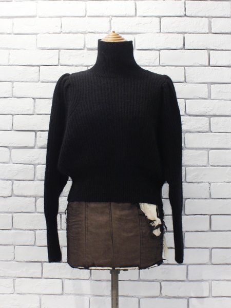 """<img class='new_mark_img1' src='https://img.shop-pro.jp/img/new/icons8.gif' style='border:none;display:inline;margin:0px;padding:0px;width:auto;' />WRYHT """" MOHAIR GATHERED SLEEVE TOPS """""""