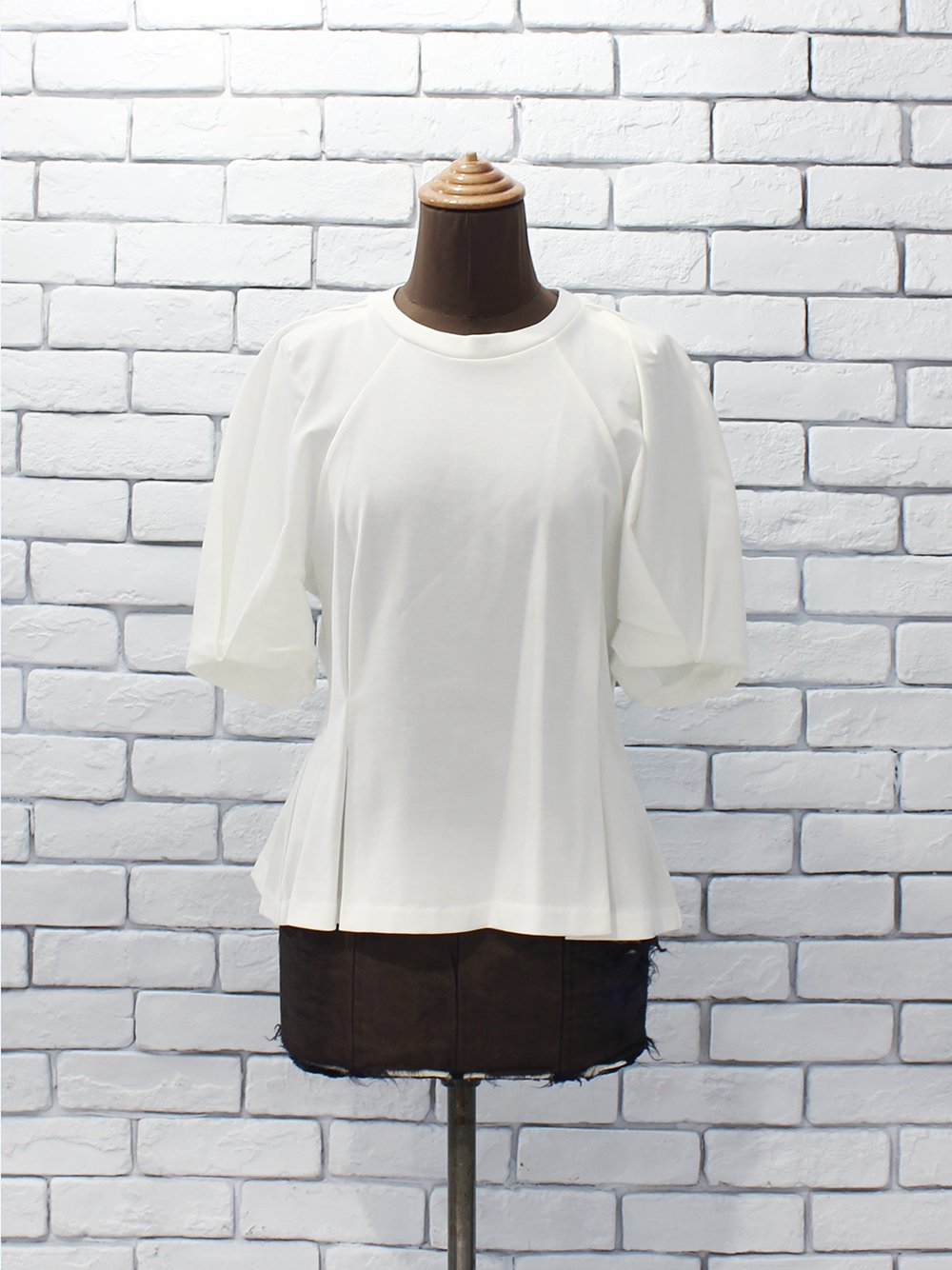 """<img class='new_mark_img1' src='https://img.shop-pro.jp/img/new/icons8.gif' style='border:none;display:inline;margin:0px;padding:0px;width:auto;' />PHEENY """"Tucked sleeve Tee (white) """""""